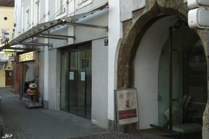 Geschäftshaus am Vöcklabrucker Stadtplatz