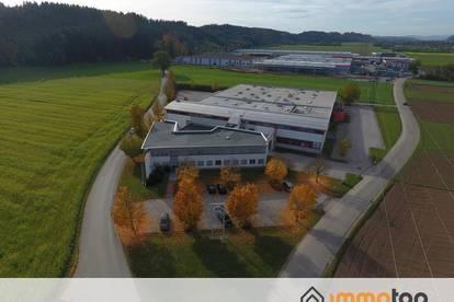 Produktions-/Lagerhalle mit guter Verkehrsanbindung