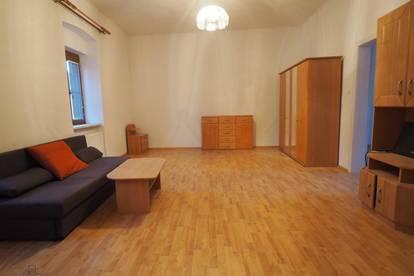 Mietwohnung - Eigene Hausetage in zentraler Lage!