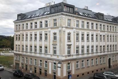 Traumhafte Dachgeschosswohnung mit Terrasse, Balkon und Fernblick zur Miete