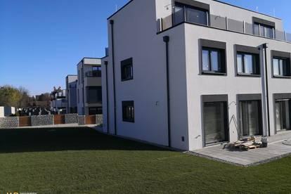Moderner Erstbezug! 5 Zimmer Doppelhaushälften mit Garten und Autoabstellplätzen!