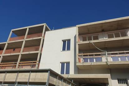 Eisengasse 3/1 - Helle loftartige Maisonettenwohnung mit Terrasse