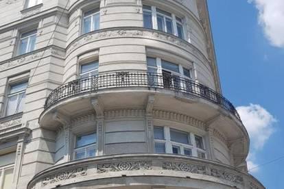 Herrliches Atelierbüro mit kleinem Balkon