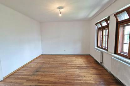 Toll Lage - 2 Zimmer Wohnung in Neunkirchen