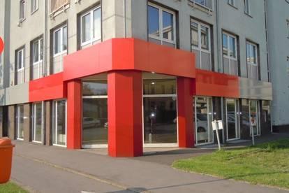 Geschäftslokal mit ca. 262 m² und 2 KFZ-Abstellplätzen direkt vor dem Eingang