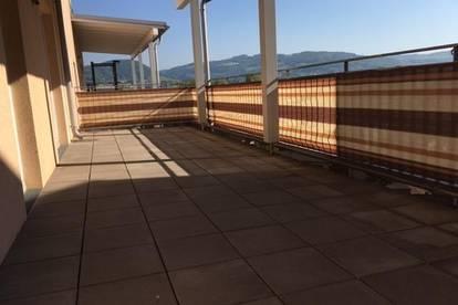 NEUER PREIS!!! Schöne 3-Zimmer-Wohnung mit Loggia und Terrasse