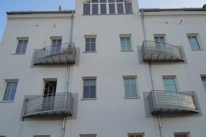 Erstbezug nach Sanierung - Helle 2-Zimmer-Wohnung mit Dachterrasse - verfügbar ab 1. Oktober 2020!