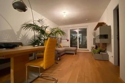 Traumhafte 2-Zimmer-Dachgeschosswohnung mit Terrasse