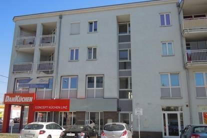 Klassische, ruhige 2-Zimmer-Wohnung mit Loggia - verfügbar ab 01. September 2020!