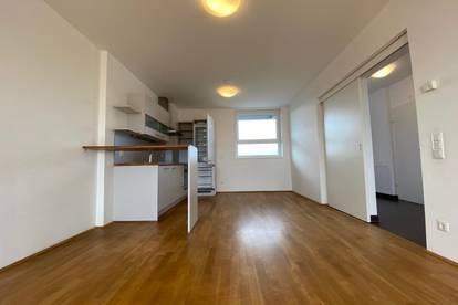 Provisionsfrei und erstes Monat mietfrei!!! Helle 3,5-Zimmer-Wohnung mit Balkon