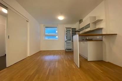 Provisionsfrei und erstes Monat mietfrei!!! WG-taugliche 3-Zimmer-Wohnung mit Balkon