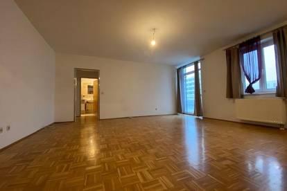 Geräumige 2-Zimmer-Wohnung mit hofseitigem Balkon