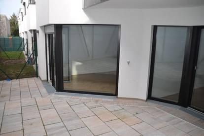 Helle 3 Zimmer - Wohnung mit kleinem Garten