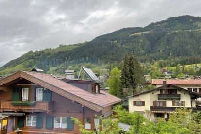Charmante 120m² Mietwohnung mit 2 Terrassen & Balkon mit tollem Blick auf den Hahnenkamm