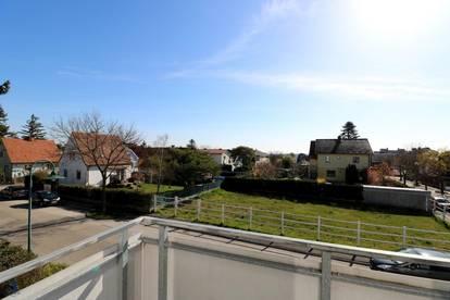 Freundliche & helle 3 ZIMMER Neubau-Wohnung mit BALKON & LOGGIA