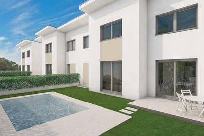 Modernes Doppelhaus mit eigenem Außenpool, Garage und großem Wohnkeller!
