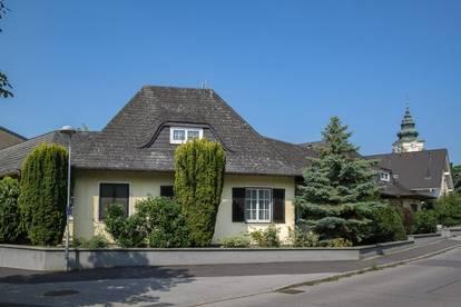 Einfamilienhaus mit ehemaligem Ordinationsgebäude in Neusiedl am See