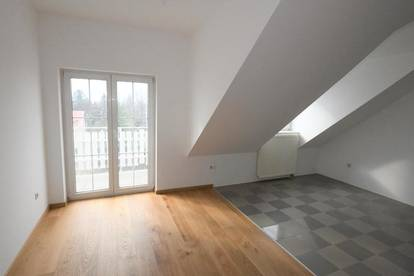 Erstbezug! Moderne 3 Zimmer DG-Balkon Wohnung -unbefristet- Nähe Schwechat