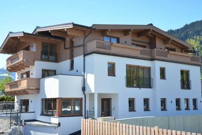 W-02E4U5 Neubau: Großzügige Wohnung mit Bergblick