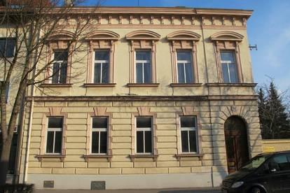 Renoviertes Altbau-Büro