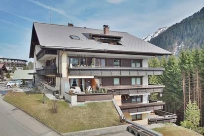 Großzügig wohnen: 2- Zimmer Dachgeschosswohnung mit Dachgarten in Hirschegg / Kleinwalsertal