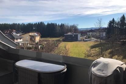 Bürmoos/Zehmemoos: DG mit Dachterrasse - hochwertig - Ruhelage- Carport!