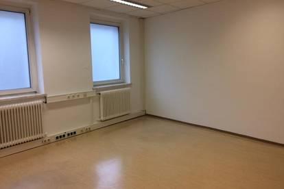 BÜRO- 3 RÄUME - NÄHE VOLKSGARTEN- SOFORT VERFÜGBAR
