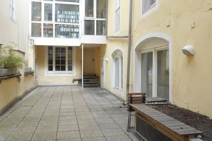 ALTSTADT Innenhoflage Geschäft/ Büro/ Praxis nahe Tummelplatz