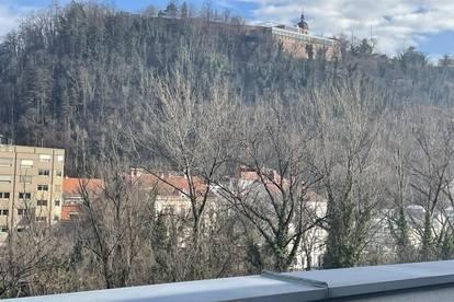 Lend: 2 Terrassen mit 57 qm - direkter Schloßbergblick - mit Lift - barrierefrei - sonnig - zentral