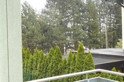 Sonnige 2ZI naturnahe im Grünen  mit Balkon und Parkplatz EKZ Shopping Nord provisionsfrei