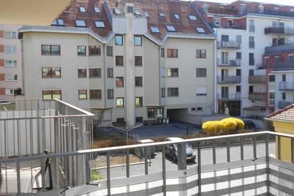 Dietrichsteinplatz>