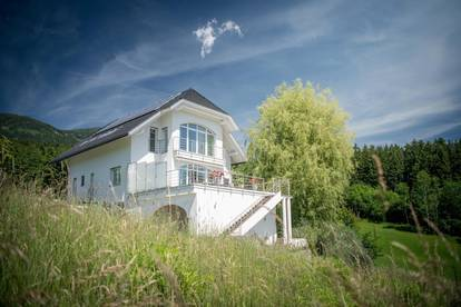 Charming villa with a lake view of Millstättersee