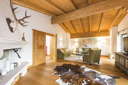 Luxuriöse Dachgeschosswohnung in idyllischer Lage von Aurach