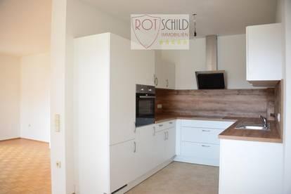 Günstige gepflegte Mietwohnung in guter Lage ,Ringstrasse, 2 SZ, großer Wohnbereich, Küche, Balkon.