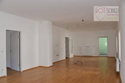 Erstbezug ! Helle 2 Zimmer Wohnung mit 76m2. barrierefrei, Balkon, geräumig und zentral gelegen !