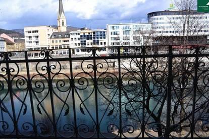 Riverfront Mietwohnung mit Balkon