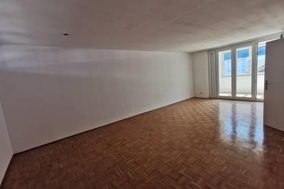 Südseitig ausgerichtete 2 - Zimmer Wohnung mit Loggia
