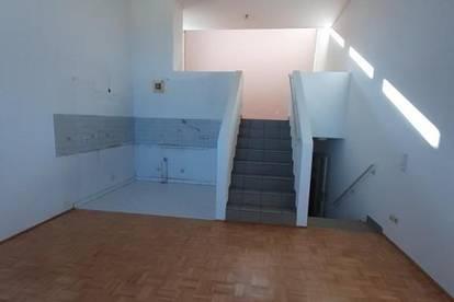 2 - Zimmer Wohnung mit 4m Raumhöhe!
