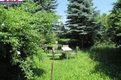 Helle 2-Zimmerwohnung mit Garten und Parkplatz