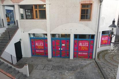 Ebenerdiges Lokal in Neunkirchner Zentrumslage zu vermieten!