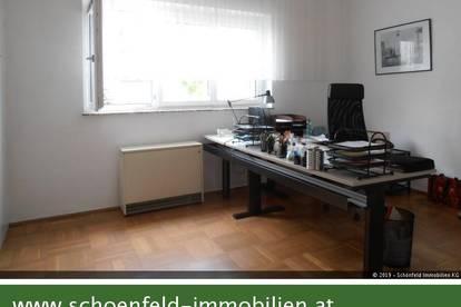"""Büro mit grünem """"Pausenraum"""" (Eigengarten!) und Abstellplatz"""
