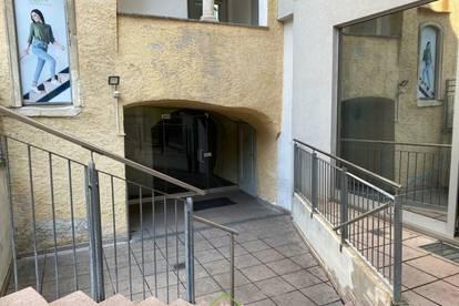 Steiner Tor: ca.125m² Geschäftslokal - Gastronomie/Einzelhandel