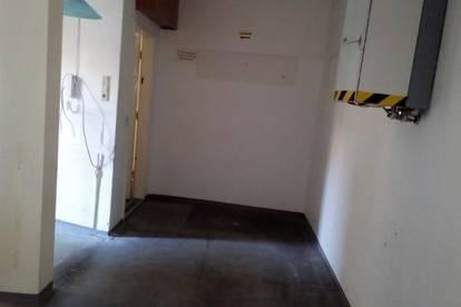 Büro, Praxis in zentraler Lage - derzeit sanierungebedürftig, wird entsprechend der geplanten Verwendung renoviert