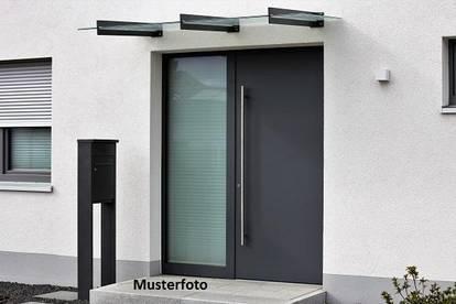 +++ 4-Zimmer-Wohnung mit Terrasse und Gartenanteil +++