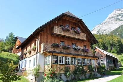 Bauernhaus mit 3 Nebengebäuden - ERFOLGREICH VERMITTELT