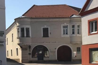 Geschäftshaus mit Gastronomie und Veranstaltungssaal in Langenlois