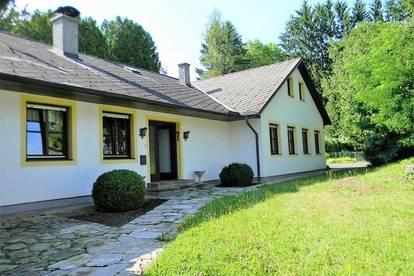Großes Wohnhaus - mit großem Garten - in Jennersdorf
