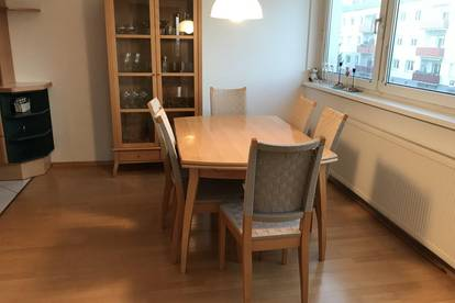 PROVISIONSFREI !! 4-Zimmer Wohnung mit Loggia und Abstellplatz!