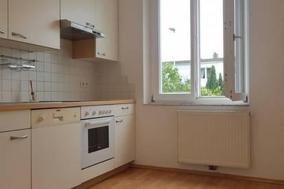 Lichtdurchflutete, 3-Zimmer Wohnung - WIFI & NDU Nähe