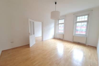 Schöne 2 Zimmer Altbauwohnung - U6 Dresdner Straße